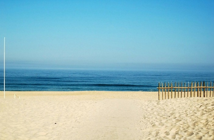 beach-123844_1280